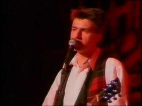 Crowded House- Don't Dream It's Over- Live 1988