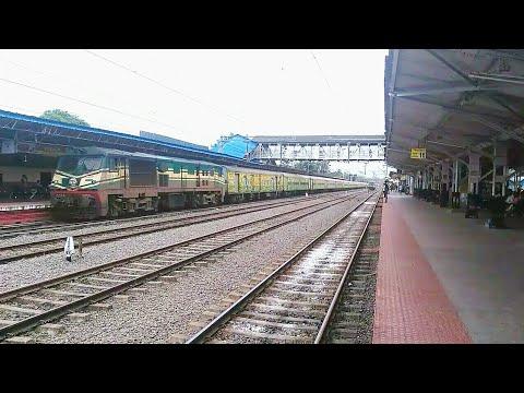 Duronto Express  Announcement & arrival at Ernakulam Junction (തുരന്തോ എക്സ്പ്രസ്സ് )