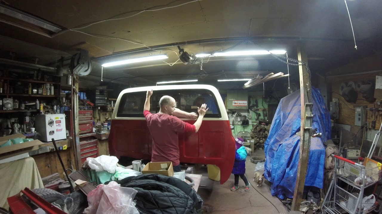 how to install a back glass and a 73 87 chevy pickup gmc part 15 [ 1280 x 720 Pixel ]