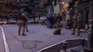 12 04 2014 Краматорск. захват русским спецназом здания милиции