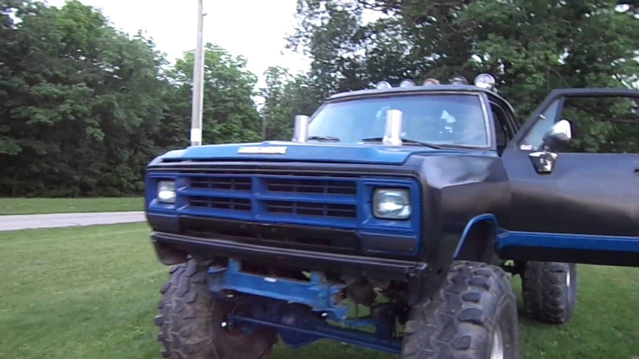 dodge mud truck on 44s - YouTube
