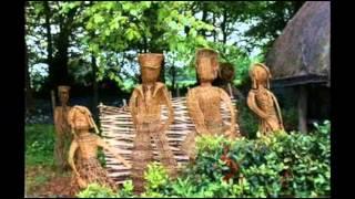 Самодельные плетеные фигурки для сада  Фото