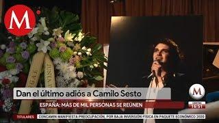 Familiares, amigos y fans dan el último adiós a Camilo Sesto