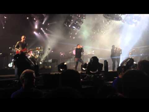 Nine Inch Nails - I Would For You (Live At The Palace of Auburn Hills - October 7 2013)