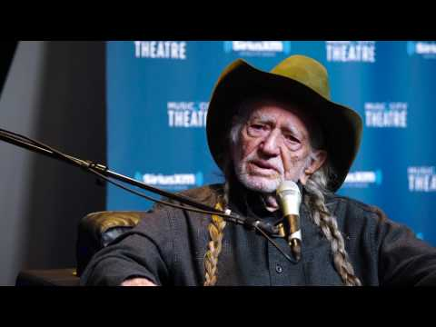 Willie Nelson on Pitching Crazy to Patsy Cline // SiriusXM // Willie's Roadhouse