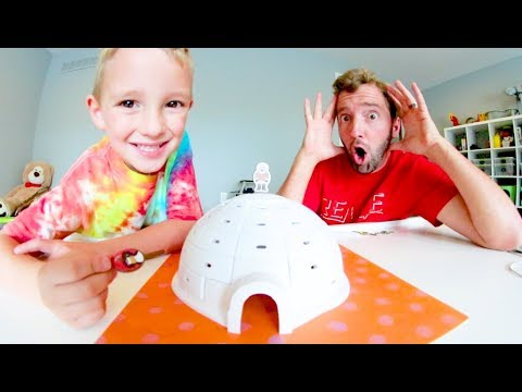 Father & Son PLAY IGLOO MANIA! / Dont Let It Fall!