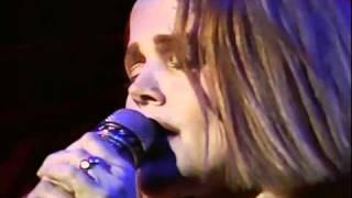 Belinda Carlisle - I Get Weak (Runaway Horses Tour