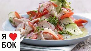 Салат из редиса и огурцов. Салат с вареной колбасой рецепт.