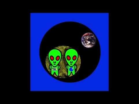 Pete Namlook & Jonah Sharp - Interdimensional Communication (Alien Community)