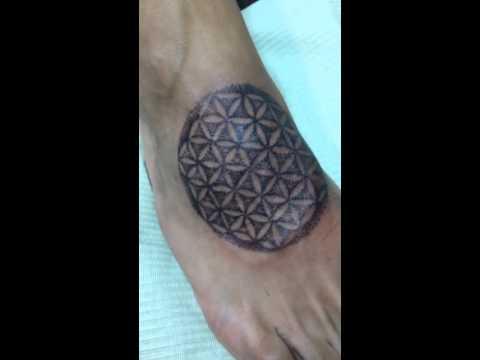 Tatuaje Dotwork De Jeanmarco En Ink Sweet Tattoo
