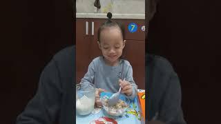 Shiro giới thiệu Reese's Puffs - quà của Út Vy - 20191205