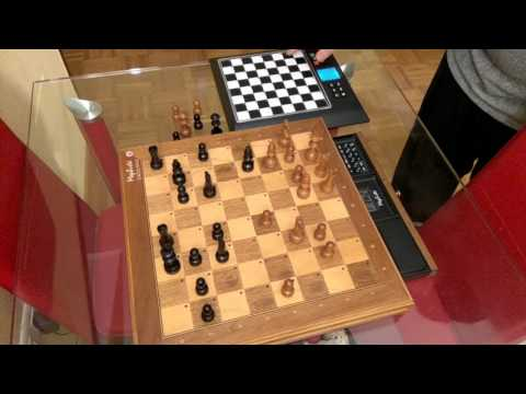 Mephisto  MII vs Millenium Chess Genius Pro