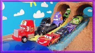 Gambar cover Disney Cars 3 Toys Mcqueen Race
