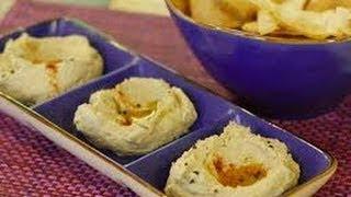 Закуска из козьего сыра с соусом песто
