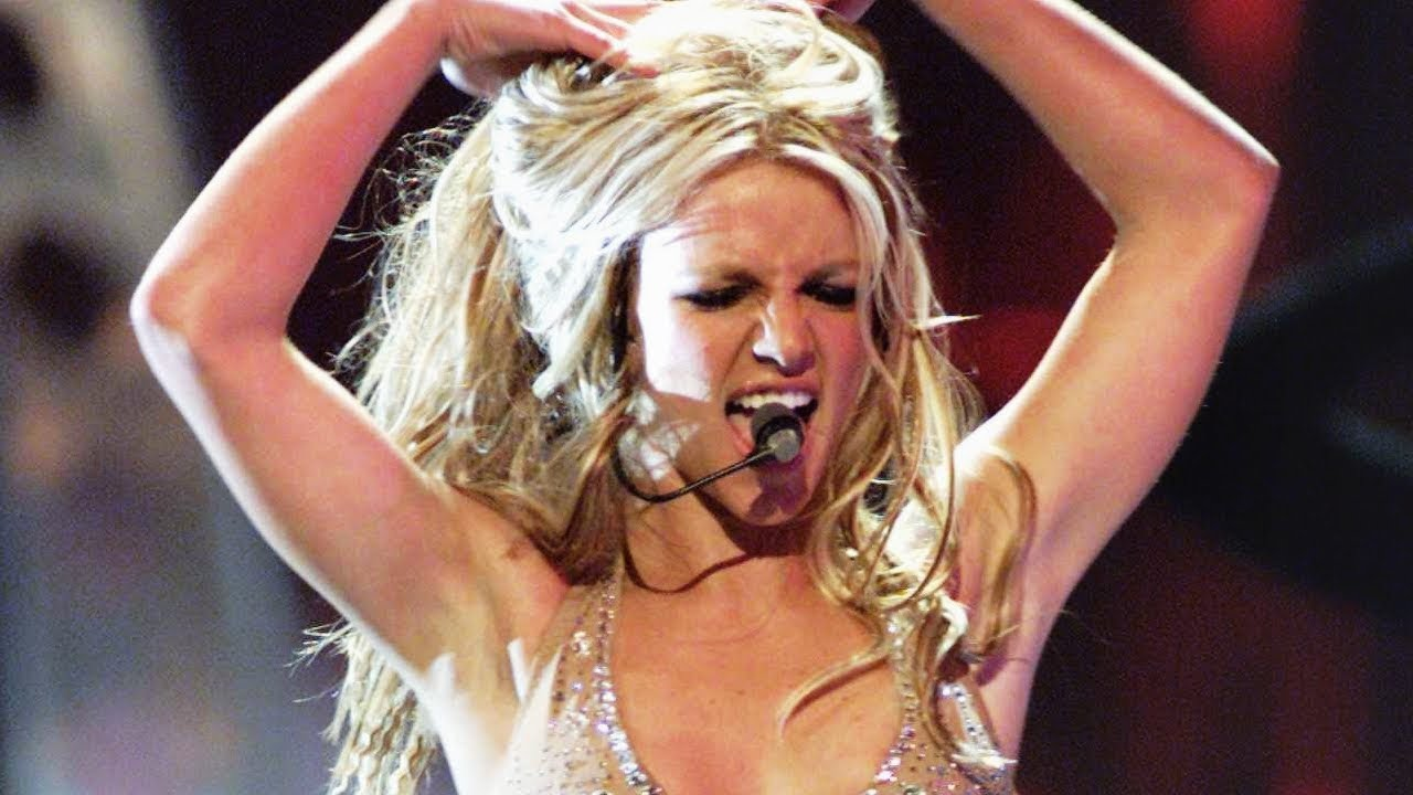 Download Britney Spears - Satisfaction / Oops!...I Did It Again (Live @ Video Music Awards 2000)