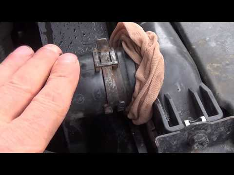 КАК почистить радиатор отопления авто не снимая, и собрать мусор