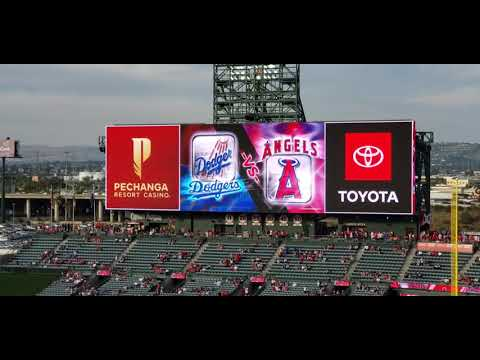 The Starting Lineup Of Los Angeles Dodgers Y Los Angeles Angels
