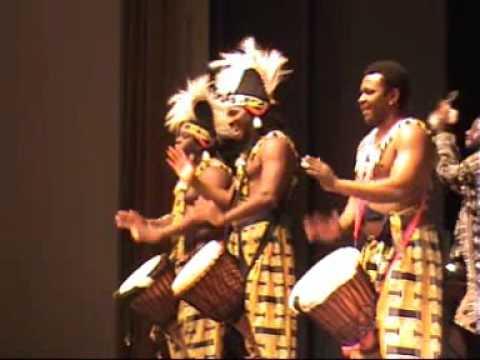 Trommelshow - African Power mit Meistertrommlern aus Guinea