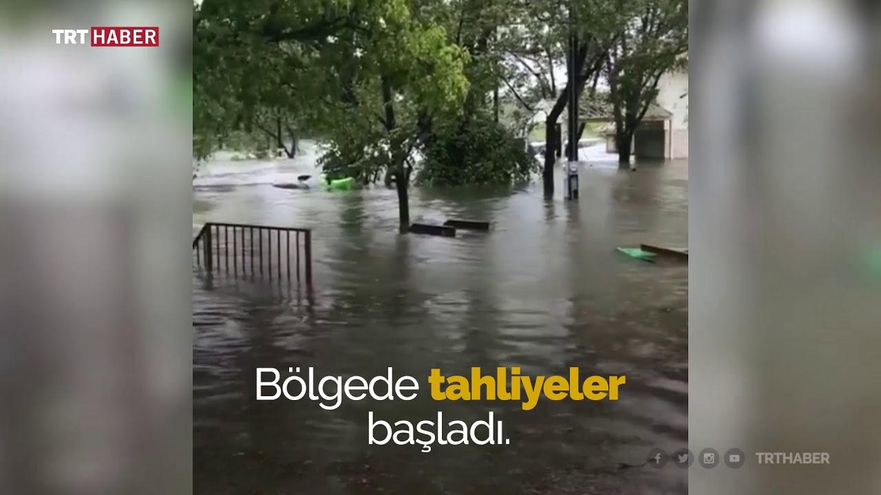 Teksas'ta sel nedeniyle nehir taştı