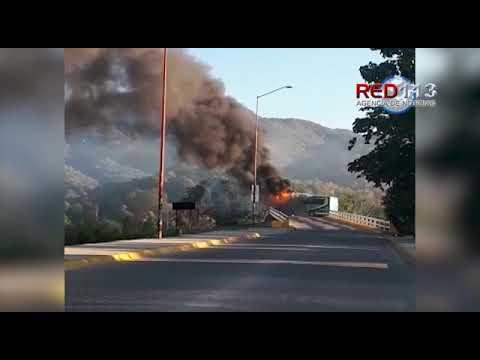 VIDEO Se enfrentan civiles armados y marinos en Jalisco