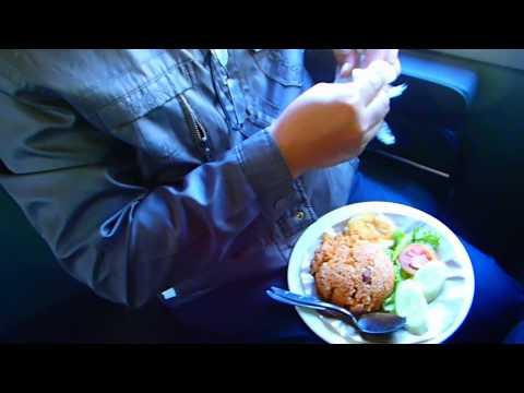 อาหารอินโดนีเซีย อร่อยบนรถไฟ