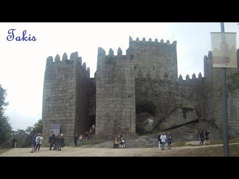 The castle of Guimarães - Portugal