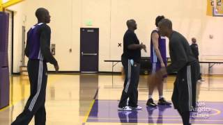 Watch Kobe Bryant show off his handles