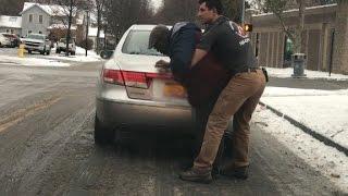 Samaritan saves man choking in street