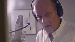 Kelsey Grammer sings 'Stars in the Sky' from The Grinning Man