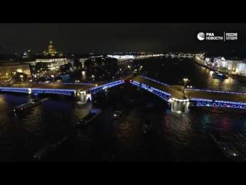Разводка мостов в Санкт-Петербурге