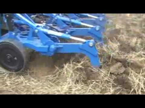 Lavorazione terreno ripper doovi for Di raimondo macchine agricole