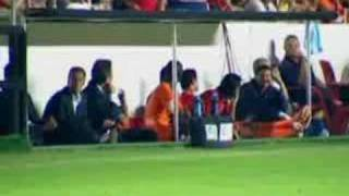 Espectacular Video del Real Madrid vs Mallorca y celebración(Un video espectacular, hecho y editado por un colega mio, sobre la épica victoria del Real Madrid contra el Mallorca y la consecución del 30º título de Liga ..., 2007-06-26T17:37:37.000Z)