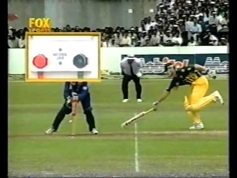 MOST INSANE UMPIRE DECISION OF ALL TIME! SRI LANKAN UMPIRE.....