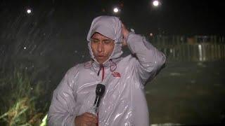 Reporter berichtet live aus Hurrikan