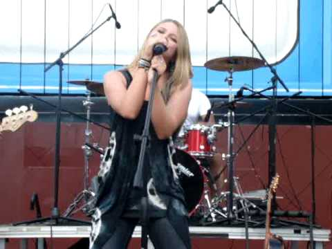 """Savannah Outen """"Friends"""" Full Song Live Great Quality"""