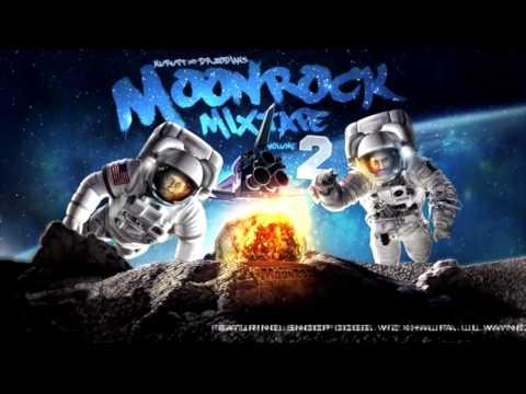 Awake - Snoop Dogg Ft Pharrel Williams (  Dr. Zodiak's MoonRock Mixtape )