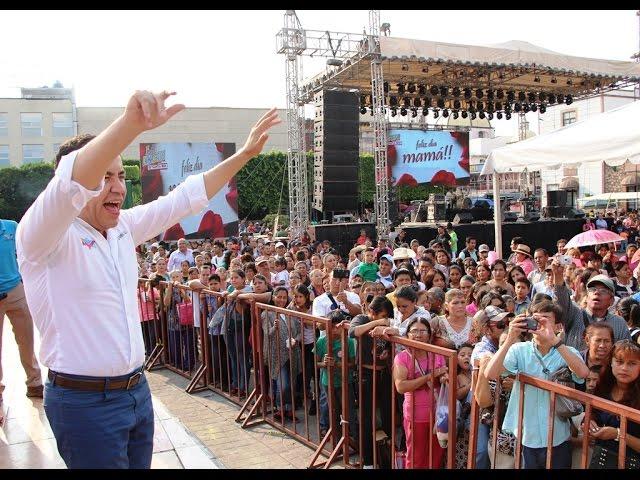 Carlos Herrera Festeja a las mamás en Zitácuaro
