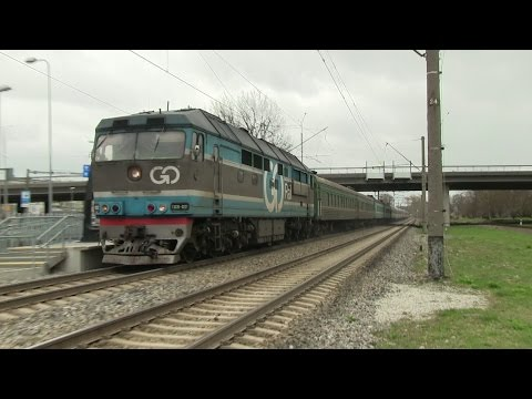 Тепловоз ТЭП70-0237 с Казахстанскими вагонами / TEP70-0237 w