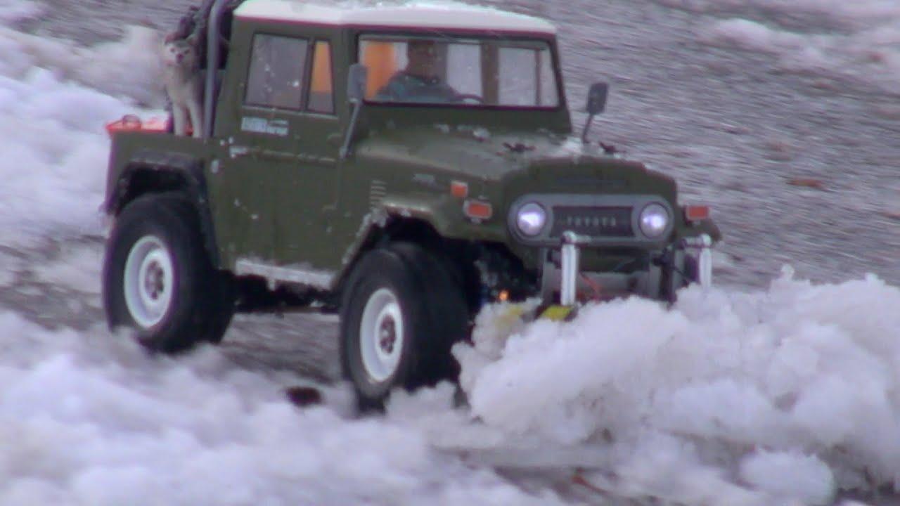 Tamiya CC-01 Land Cruiser - Snow Plow Mission - YouTube