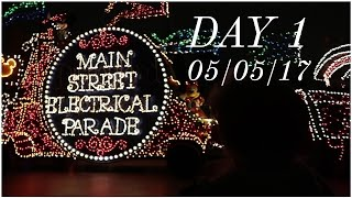 First time seeing the Main Street Electrical Parade! | Disneyland vlog #25