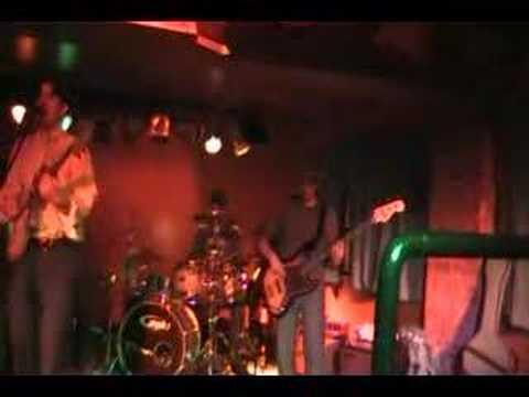 "Reegal Beegal ""Peace"" @ The Loft clip 2"