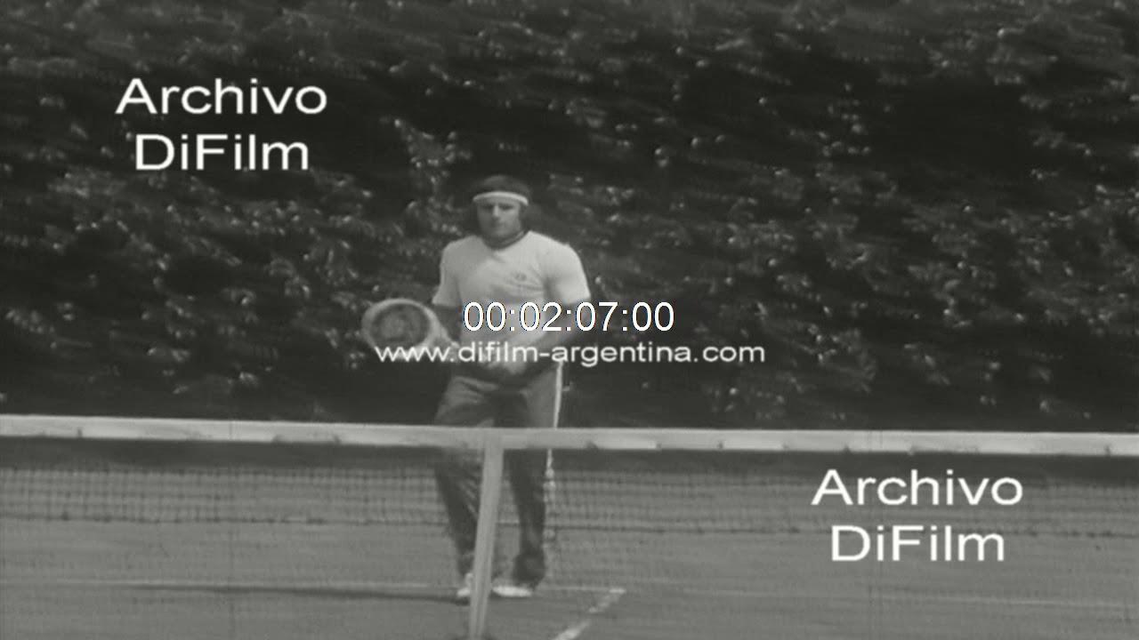 Guillermo Vilas entrenando en el Buenos Aires Lawn Tenis Club 1978