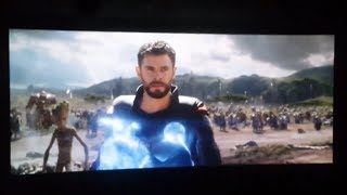 Best audience reactions to Thor\'s entrance in Infinity War | "|320|180|?|d5f140ad9f62f89246642fe9b8fca157|False|UNLIKELY|0.31400445103645325