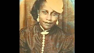 Bessie Jones - The Buzzard Lope