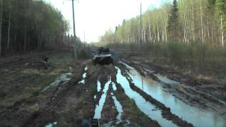 БМД2. В грязь на скорости.