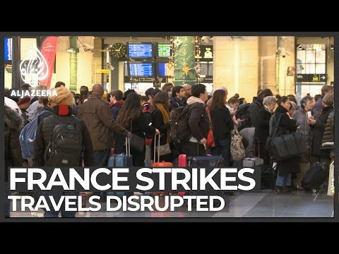 France strikes disrupt travels during Christmas holiday