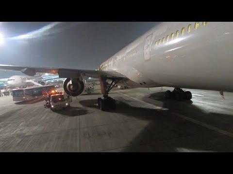 777-300ER Emirates roaring out of Johannesburg to Dubai