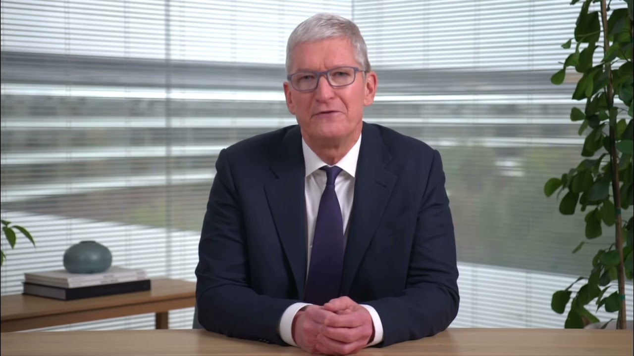 """Tim Cook says, """"Thank you very much."""