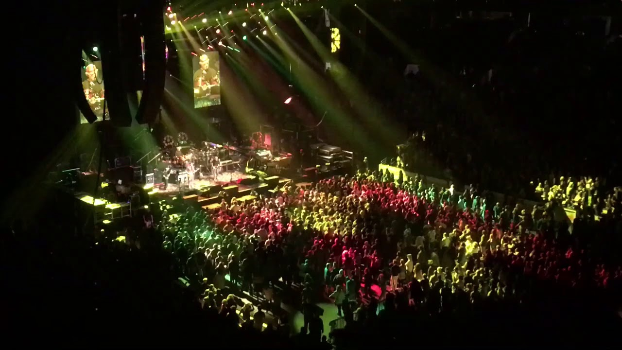 Dead and Company Boston Garden 11.17.17 Scarlet - YouTube