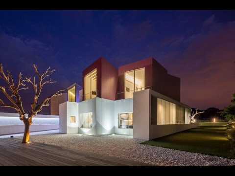 A private residence in Madrid, Spain, a modern house designed by Abiboo Architecture.